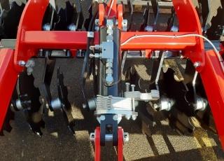 Možnost hydraulického ovládání pracovní hloubky